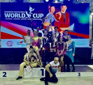 Петербургские спортсмены показали отличные результаты на Кубке мира по акробатическому рок-н-роллу